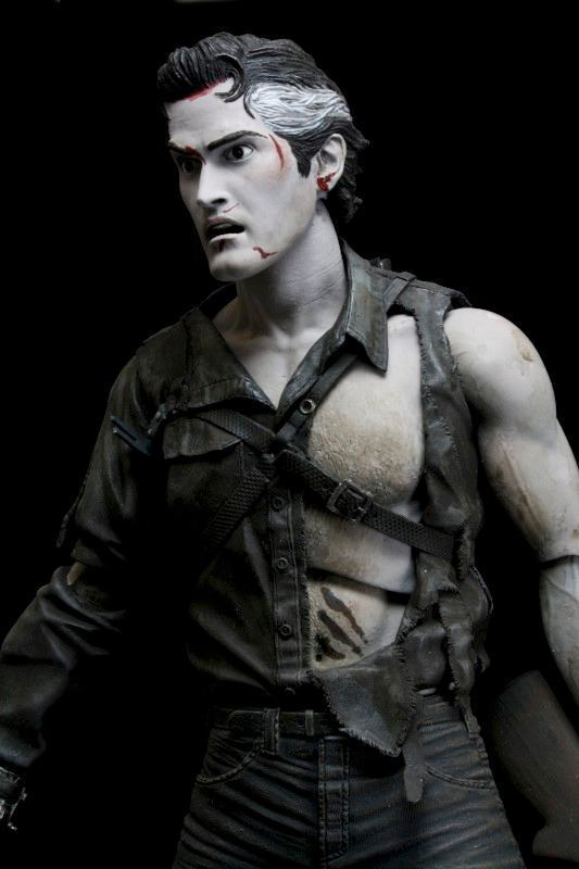 Action-Figure-Evil-Dead-2-Hero-from-the-sky-Ash-03