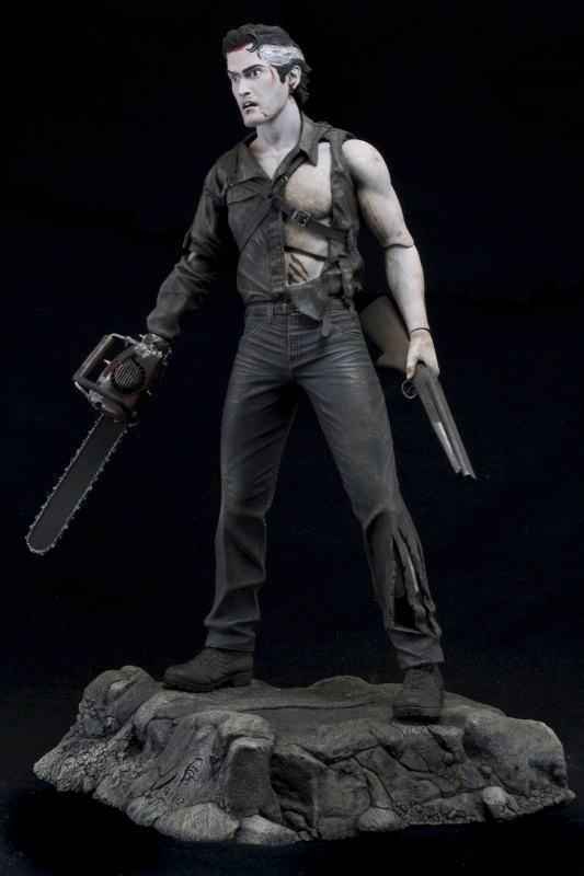 Action-Figure-Evil-Dead-2-Hero-from-the-sky-Ash-05