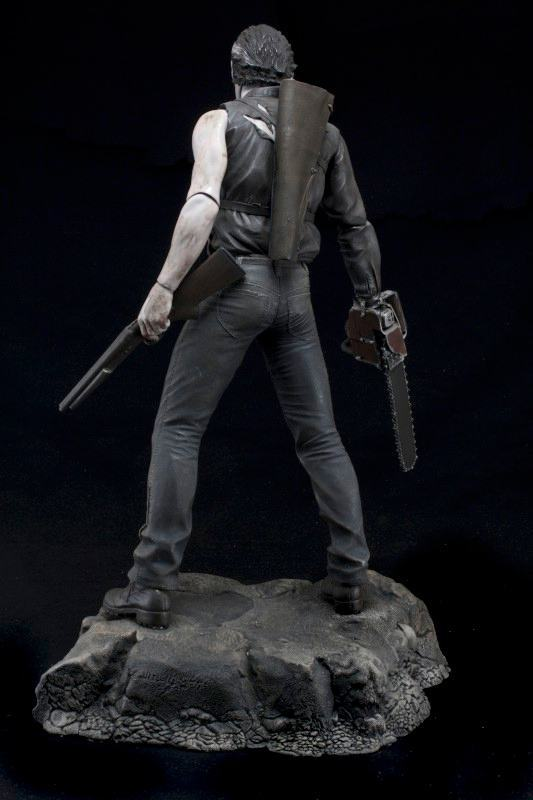 Action-Figure-Evil-Dead-2-Hero-from-the-sky-Ash-06