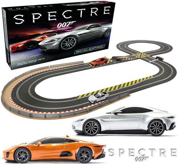 Autorama-James-Bond-007-Spectre-Slot-Car-Race-Set-Scalextric-01