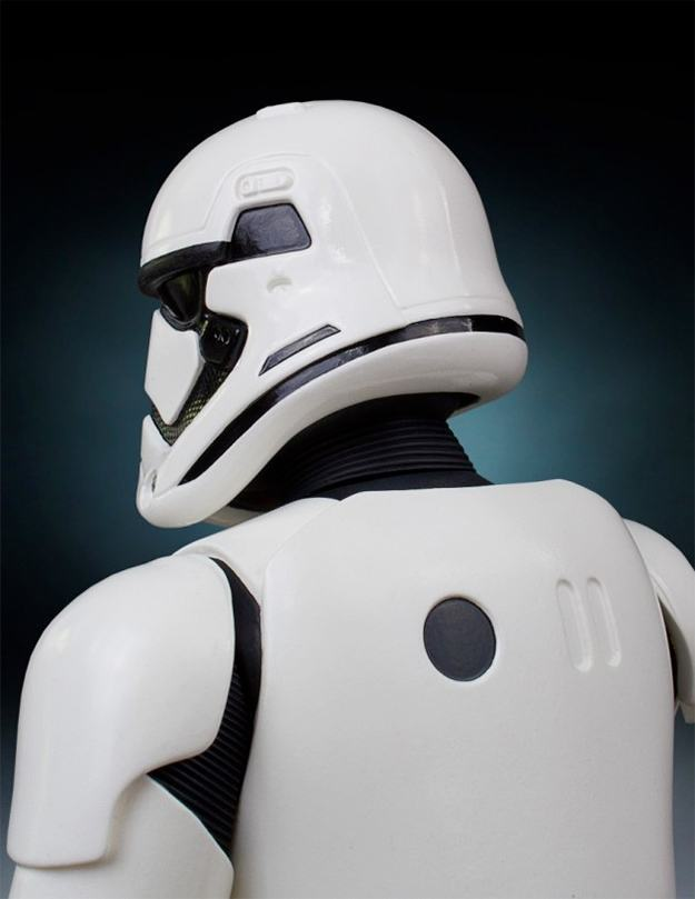 Busto-Star-Wars-The-Force-Awakens-The-First-Order-Stormtrooper-Mini-Bust-07