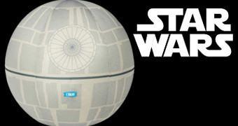 Estrela da Morte de Pelúcia com Sons e Luz – Star Wars Death Star Plush