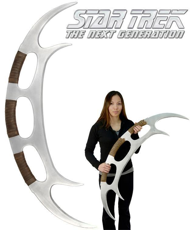 Star-Trek-The-Next-Generation-Klingon-Batleth-Weapon-Foam-Prop-Replica-01
