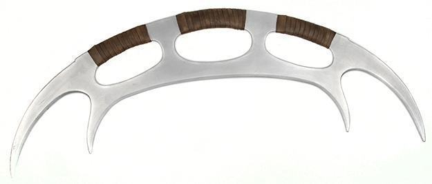 Star-Trek-The-Next-Generation-Klingon-Batleth-Weapon-Foam-Prop-Replica-02