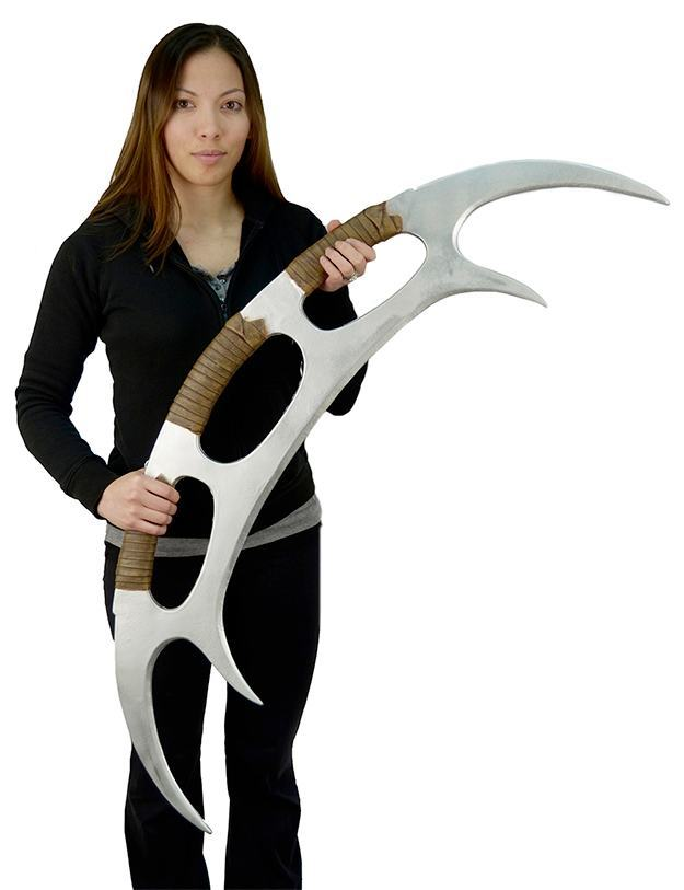Star-Trek-The-Next-Generation-Klingon-Batleth-Weapon-Foam-Prop-Replica-03