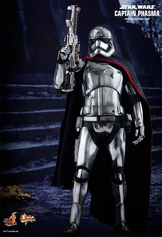 Action-FIgures-Hot-Toys-Star-Wars-VII-Captain-Phasma-04