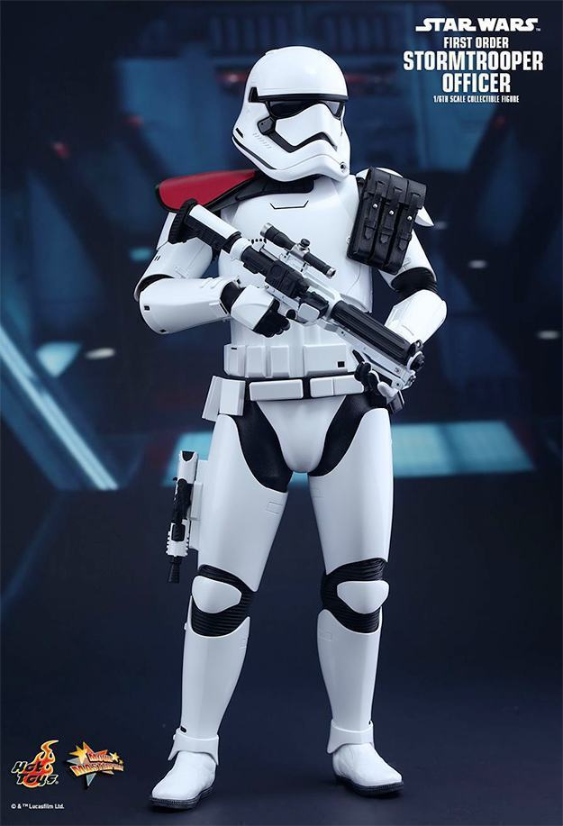 Action-FIgures-Hot-Toys-Star-Wars-VII-Stormtrooper-02