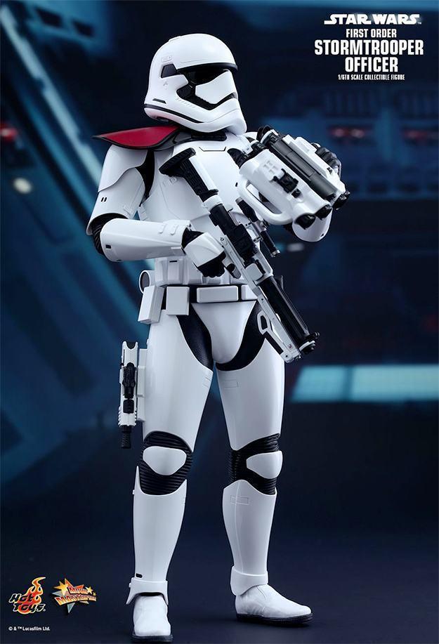 Action-FIgures-Hot-Toys-Star-Wars-VII-Stormtrooper-04