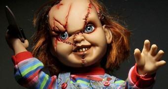 Chucky, o Brinquedo Assassino – Boneco Falante com 38 cm de Altura