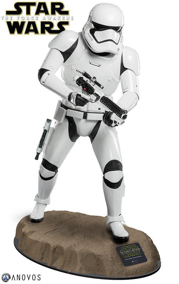Estatua-Tamanho-Real-First-Order-Stormtrooper-Star-Wars-VII-01