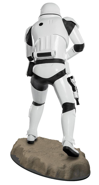 Estatua-Tamanho-Real-First-Order-Stormtrooper-Star-Wars-VII-04