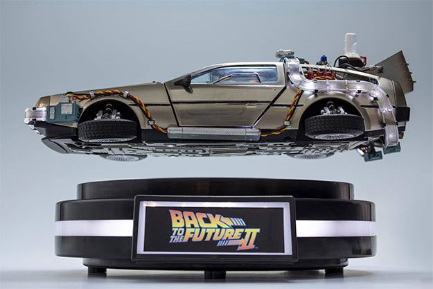 Carro-Back-to-the-Future-Pt-II-DeLorean-Magnetic-Floating-Vehicle-02