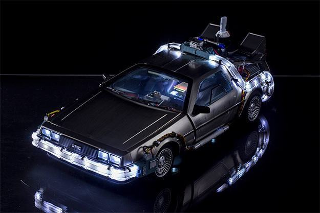Carro-Back-to-the-Future-Pt-II-DeLorean-Magnetic-Floating-Vehicle-04