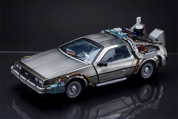 Carro-Back-to-the-Future-Pt-II-DeLorean-Magnetic-Floating-Vehicle-10