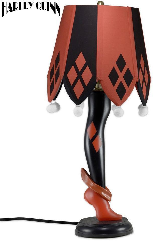 Luminaria-Harley-Quinn-20-Inch-Leg-Lamp-01