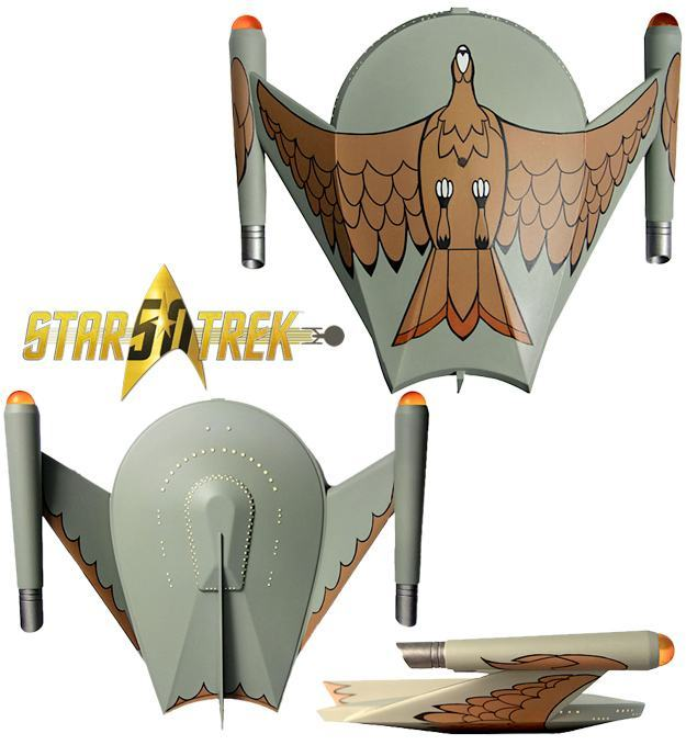 Star-Trek-The-Original-Series-Romulan-Bird-of-Prey-Electronic-Starship-01