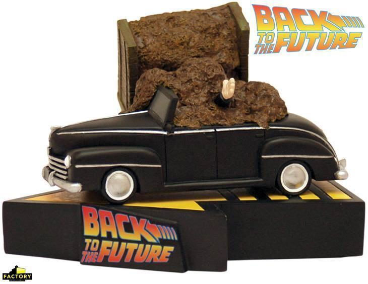 Back-to-the-Future-Manure-Truck-Accident-Premium-Motion-Statue-01
