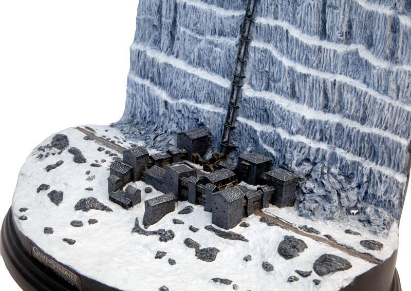 Game-Of-Thrones-Castle-Black-and-the-Wall-Desktop-Sculpture-01a
