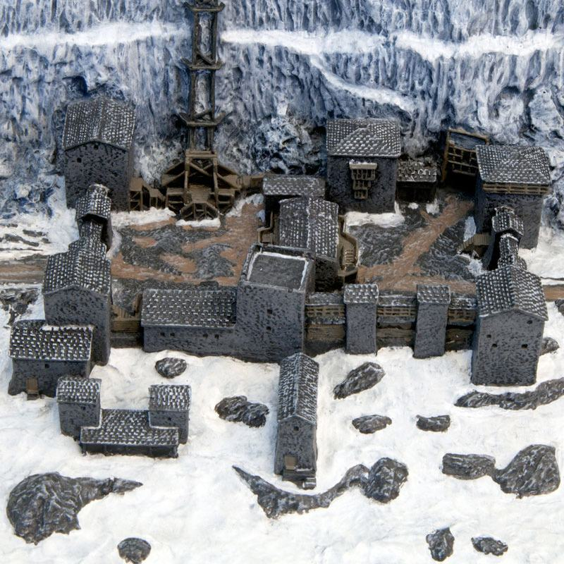 Game-Of-Thrones-Castle-Black-and-the-Wall-Desktop-Sculpture-03