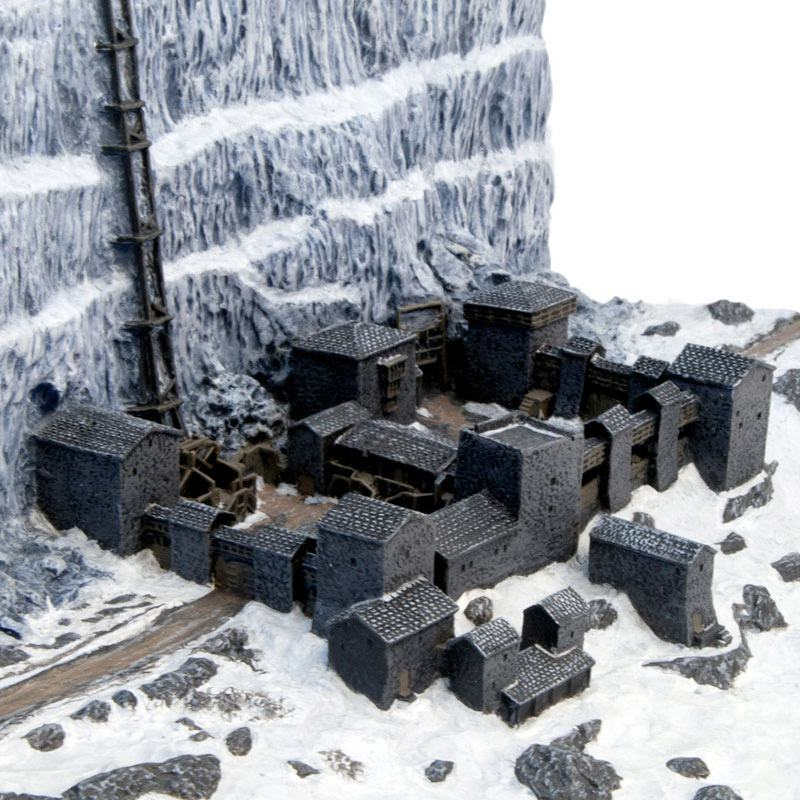 Game-Of-Thrones-Castle-Black-and-the-Wall-Desktop-Sculpture-07