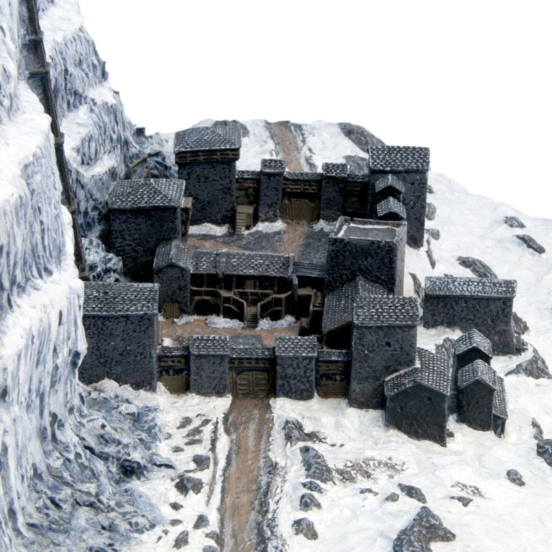 Game-Of-Thrones-Castle-Black-and-the-Wall-Desktop-Sculpture-09