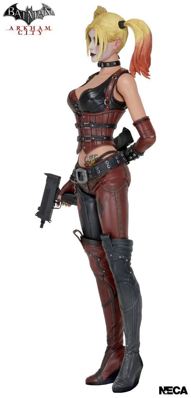 Harley-Quinn-1-4-Scale-Batman-Arkham-City-Action-Figure-03