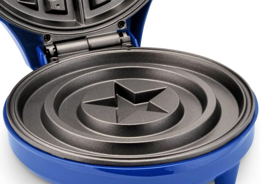 Maquina-de-Waffles-Captain-America-Shield-Waffle-Maker-Marvel-04