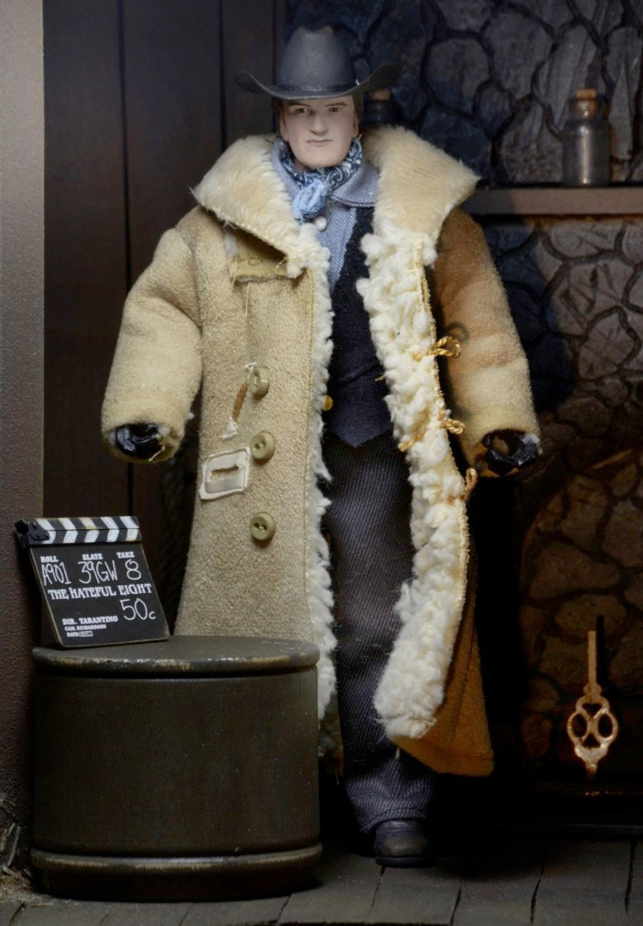 Quentin-Tarantino-Writer-e-Director-The-Hateful-Eight-Clothed-Action-Figure-02