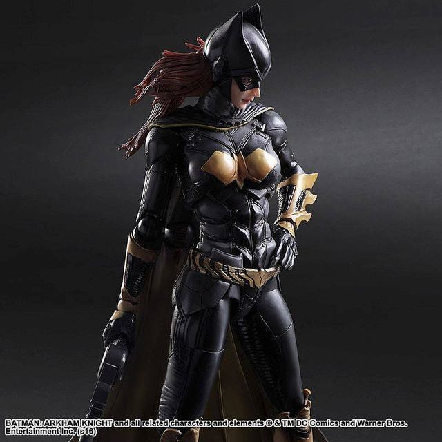 Batgirl-Batman-Arkham-Knight-Play-Arts-Kai-Action-Figure-03