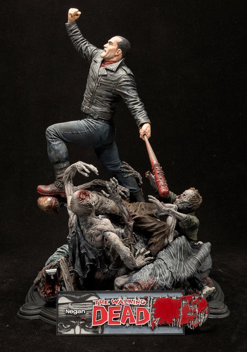 Estatua-The-Walking-Dead-Comic-Negan-17-Inch-Resin-Statue-05