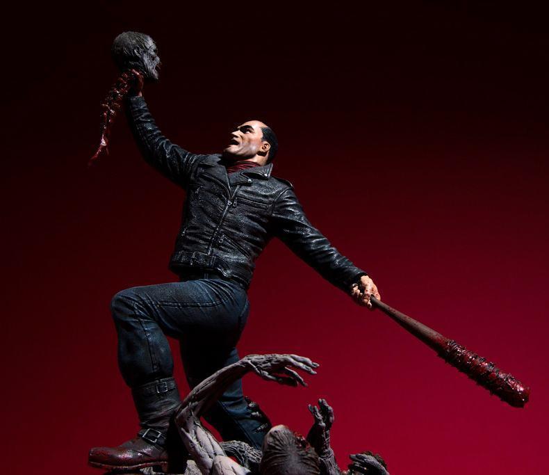 Estatua-The-Walking-Dead-Comic-Negan-17-Inch-Resin-Statue-08