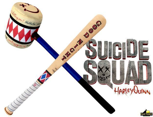 Suicide-Squad-Harley-Quinn-SWAT-Bat-e-Mallet-Prop-Replicas-01
