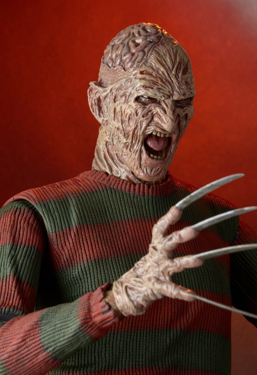 Nightmare-on-Elm-Street-Part-2-Freddys-Revenge-1-4-Scale-Action-Figure-02