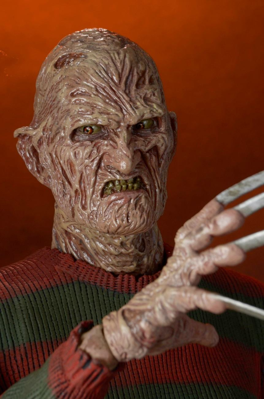 Nightmare-on-Elm-Street-Part-2-Freddys-Revenge-1-4-Scale-Action-Figure-03