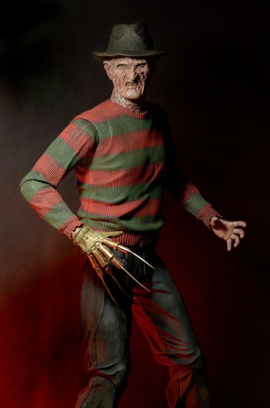 Nightmare-on-Elm-Street-Part-2-Freddys-Revenge-1-4-Scale-Action-Figure-04