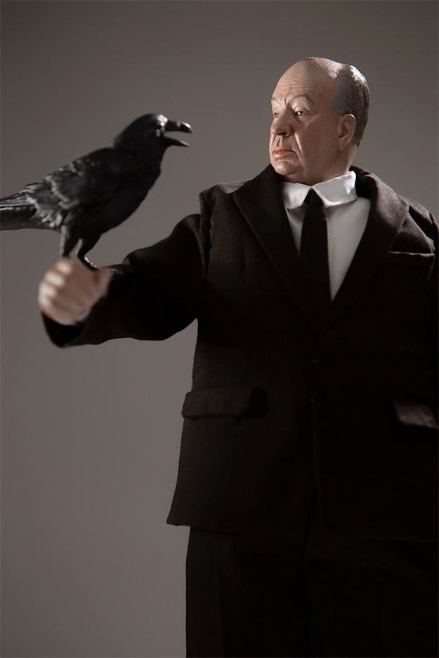 Alfred-Hitchcock-1-6-Scale-Collectible-Figure-09