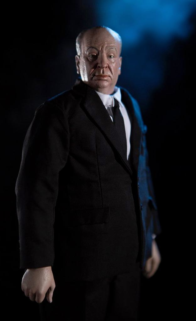 Alfred-Hitchcock-1-6-Scale-Collectible-Figure-4