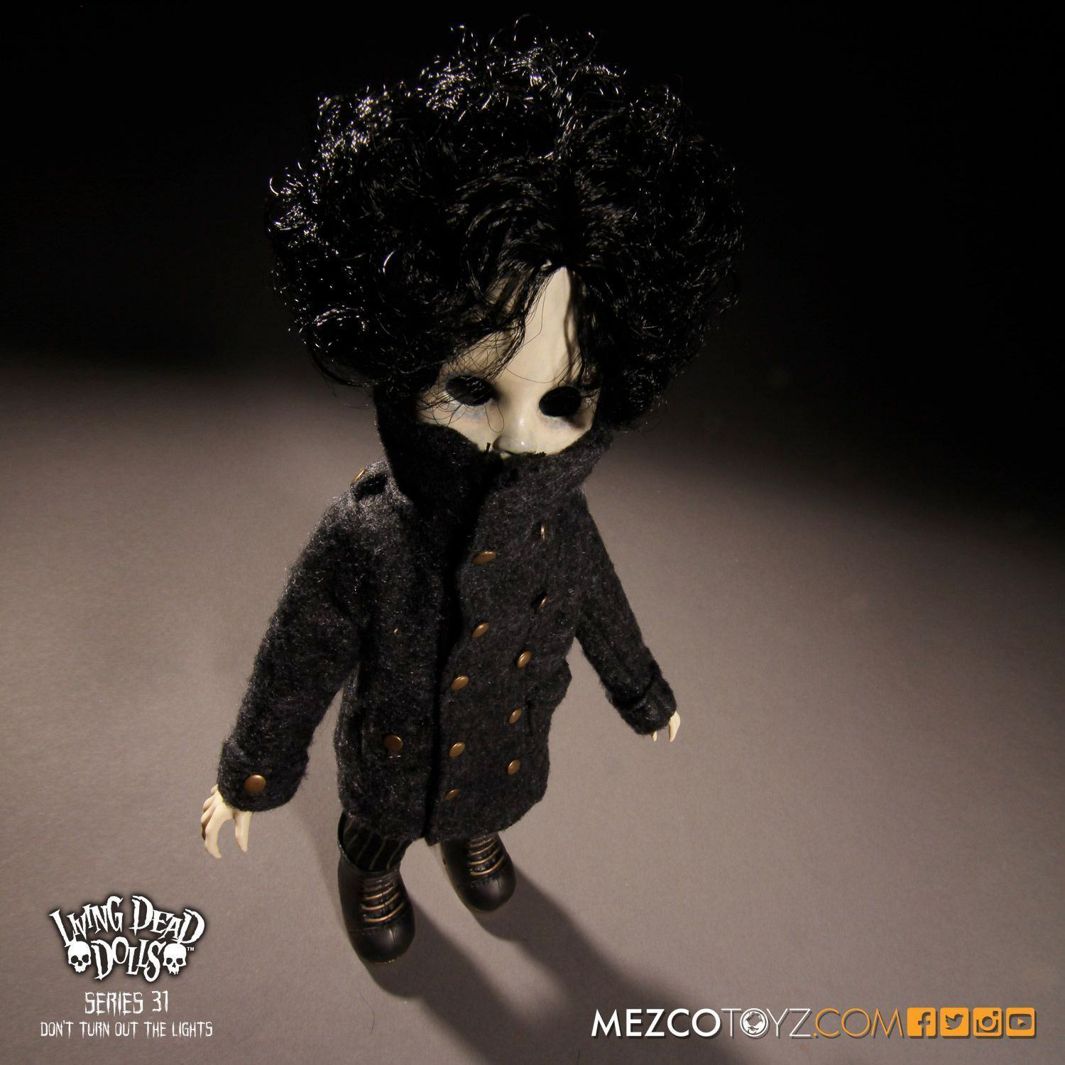 Bonecas-The-Living-Dead-Dolls-Series-31-Dont-Turn-Out-The-Lights-06
