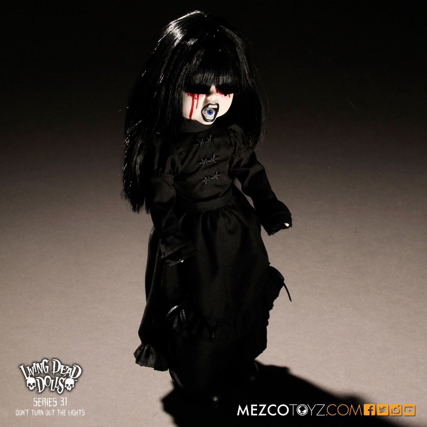 Bonecas-The-Living-Dead-Dolls-Series-31-Dont-Turn-Out-The-Lights-08