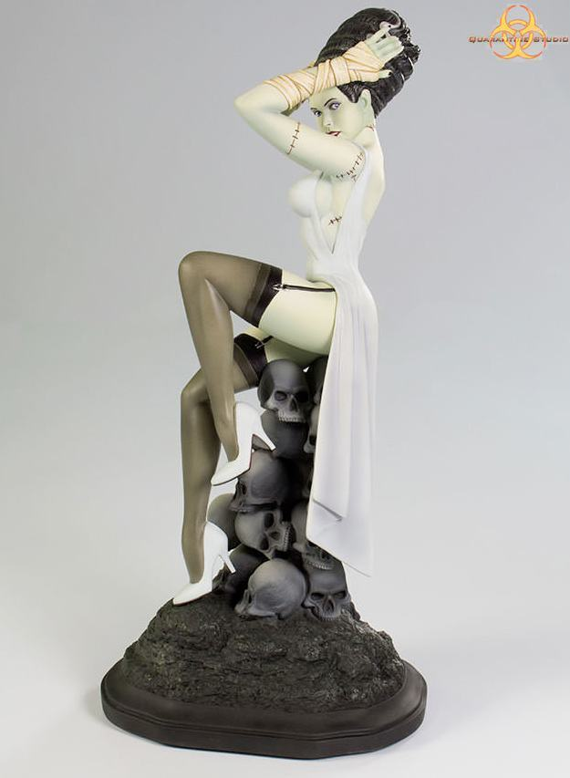 Estatua-Death-Becomes-Her-Statue-01
