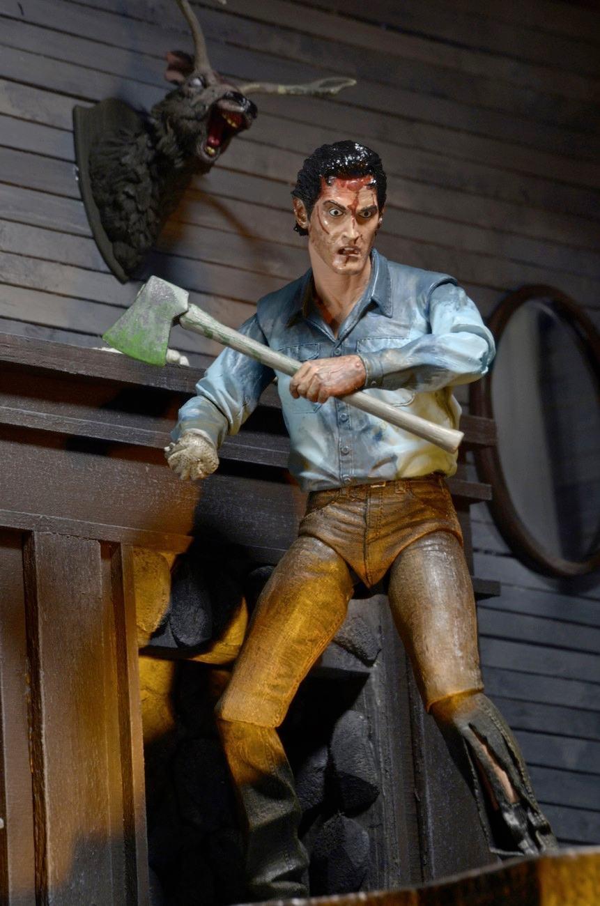 Evil-Dead-2-Ultimate-Ash-Action-Figure-06