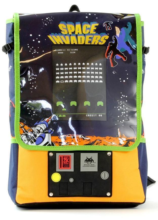 Mochila-Space-Invaders-Arcade-Backpack-02