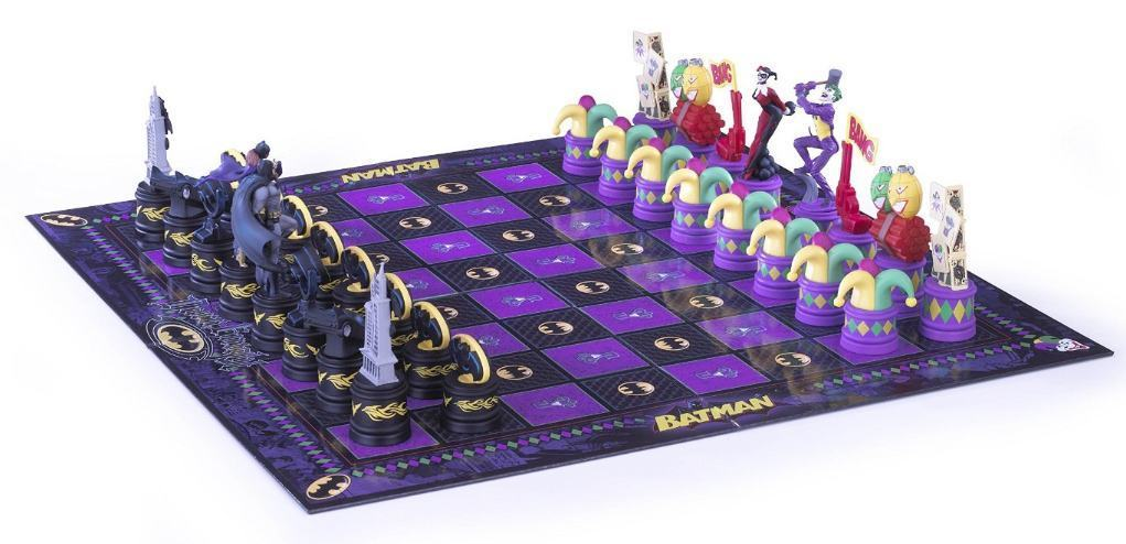 Xadrez-Batman-Chess-Set-Dark-Knight-vs-Joker-05