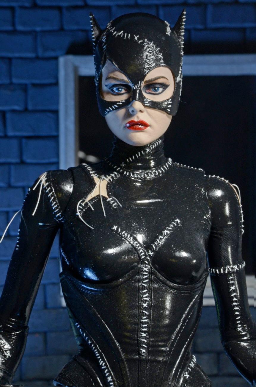 Catwoman-Batman-Returns-1-4-Scale-Figure-02