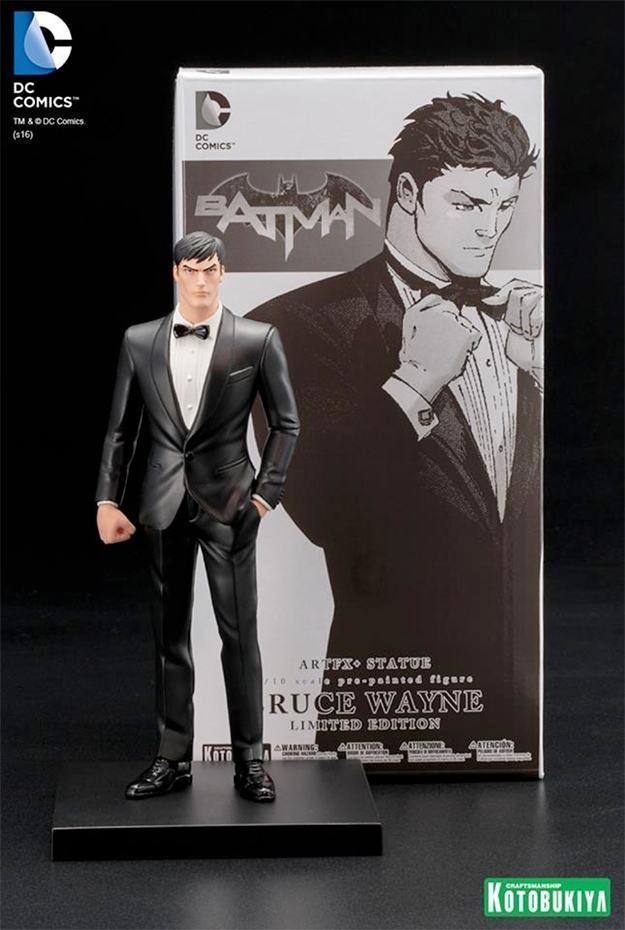 Estatua-Bruce-Wayne-ARTFX-Statue-SDCC-11