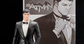 Estátua Bruce Wayne ArtFX+ (Kotobukiya SDCC 2016)