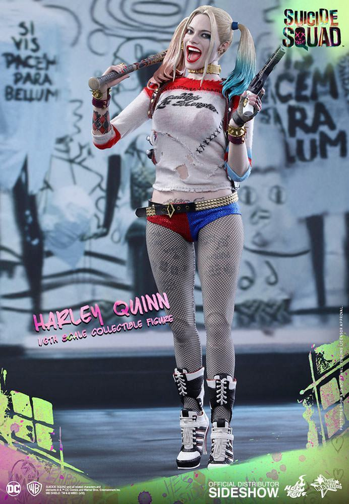 Harley-Quinn-Suicide-Squad-Action-Figure-Hot-Toys-01