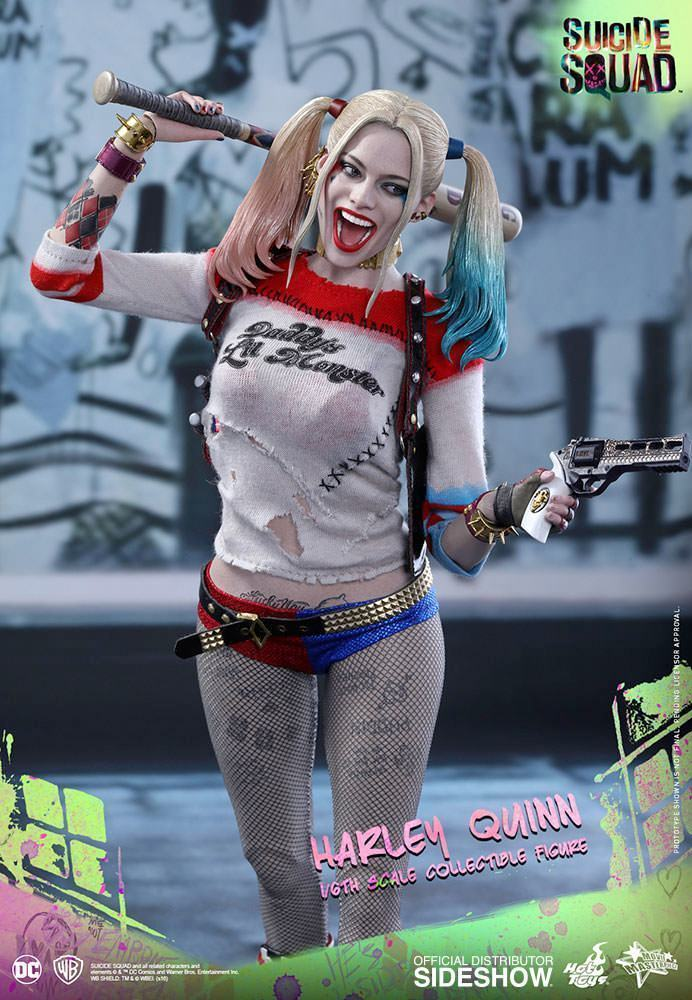 Harley-Quinn-Suicide-Squad-Action-Figure-Hot-Toys-05