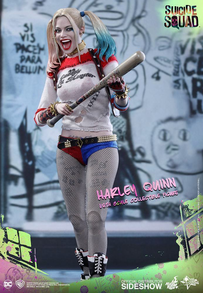 Harley-Quinn-Suicide-Squad-Action-Figure-Hot-Toys-09