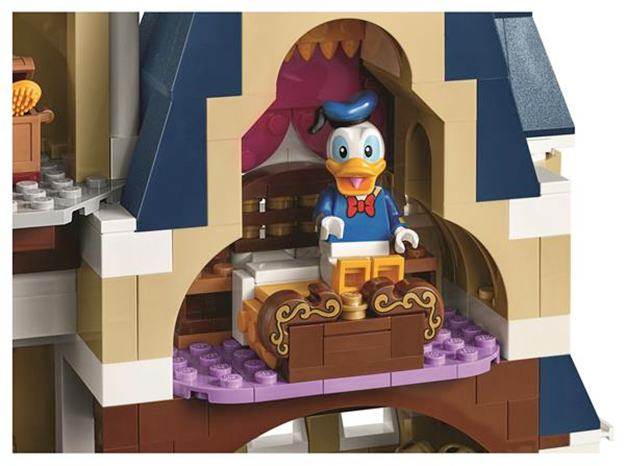 LEGO-The-Disney-Castle-Cinderella-03